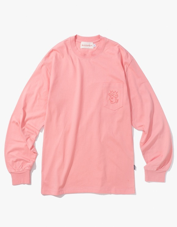 Victoria Hong Kong Queen Head Pocket L/S Tee - Salmon | HEIGHTS. | International Store