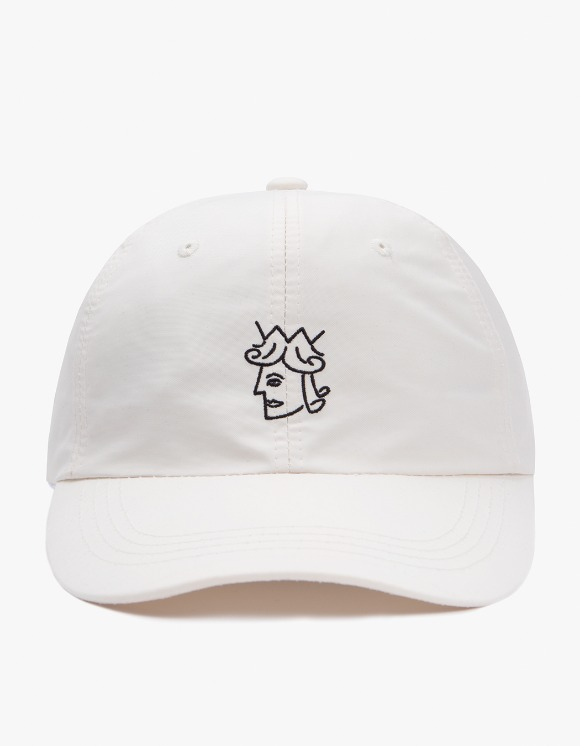 Victoria Hong Kong Queenhead Nylon Cap - Cream | HEIGHTS. | International Store
