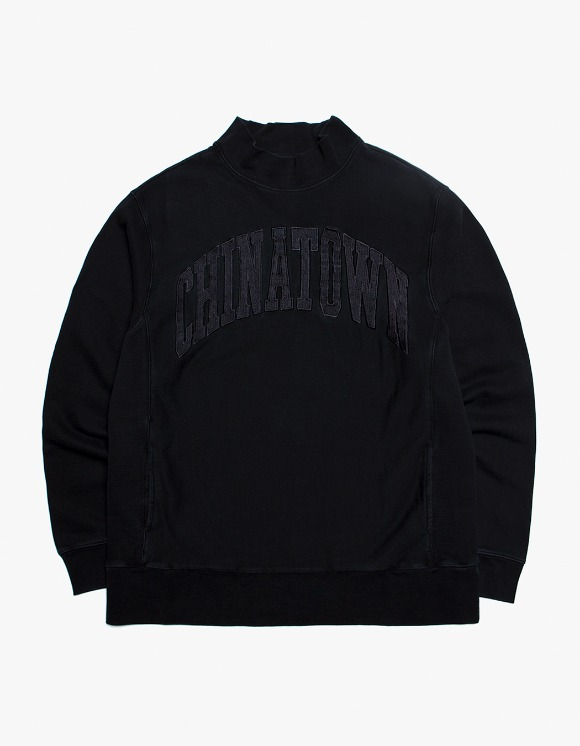 Chinatown Market Arch Mock Crewneck - Black | HEIGHTS. | International Store