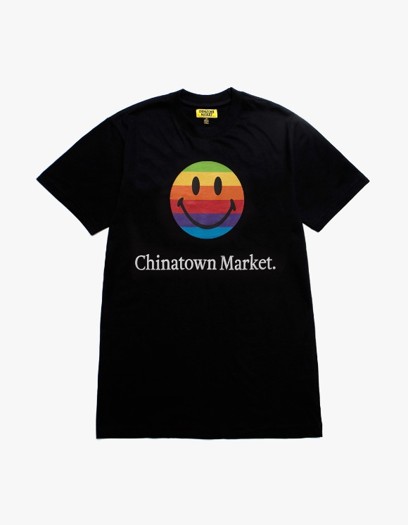 Chinatown Market Smiley Apple T-shirts - Black | HEIGHTS. | International Store