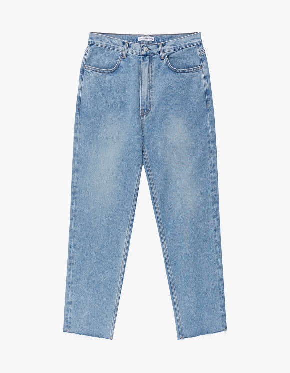 AYC Light Wash Standard Jeans (Cropped Ver.) | HEIGHTS. | International Store