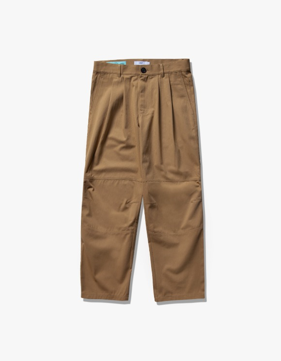 IZOLA NYC Wide Tuck Twill Pants - Beige | HEIGHTS. | International Store