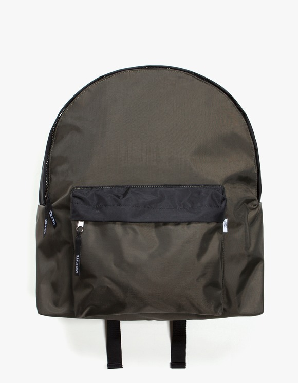 IZOLA NYC 2 Tone Daypack - Olive/Black | HEIGHTS. | International Store