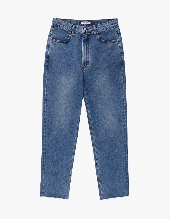 AYC Medium Wash Standard Jeans (Cropped Ver.) | HEIGHTS. | International Store