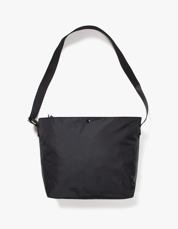 IZOLA NYC Nylon Shoulder Bag - Black | HEIGHTS. | International Store